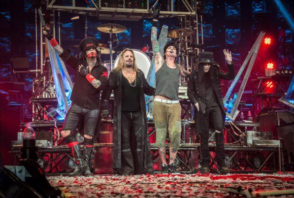 «The End», les adieux tout feu tout flamme de Motley Crüe