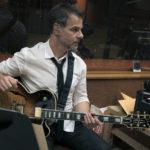 Kamil Rustam, mieux guitare que jamais
