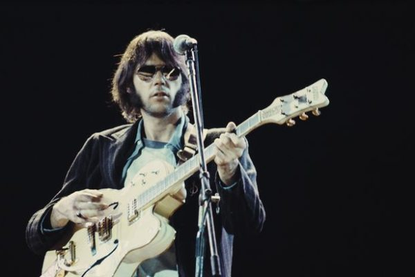 801x410_neil-young-1