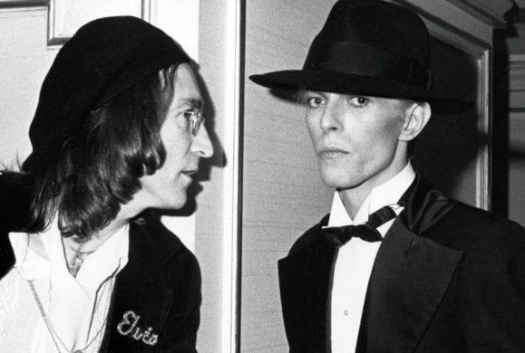 David Bowie reprend Lennon et Dylan dans un single anniversaire