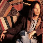 Neil Young reprend la route avec «Hitchhiker»